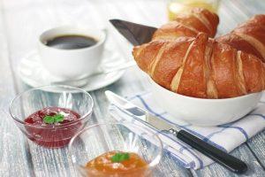 croissants-698873_640